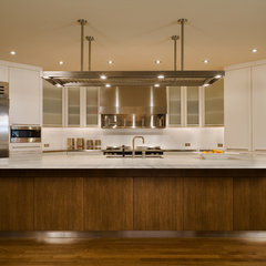 contemporary kitchen by Conard Romano Architects