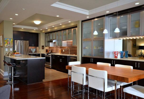 Contemporary Kitchen by Conestoga Valley Custom Kitchens Inc.