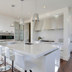 contemporary kitchen by DEKORA Staging Inc