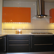 Modern Kitchen by ITALIAN KITCHEN CABINETS IN SAN DIEGO