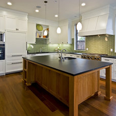 Contemporary Kitchen by JCA ARCHITECTS