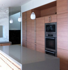 contemporary kitchen by Moss Yaw Design studio