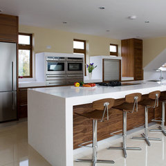 modern kitchen by Darren Morgan - Designer Kitchen