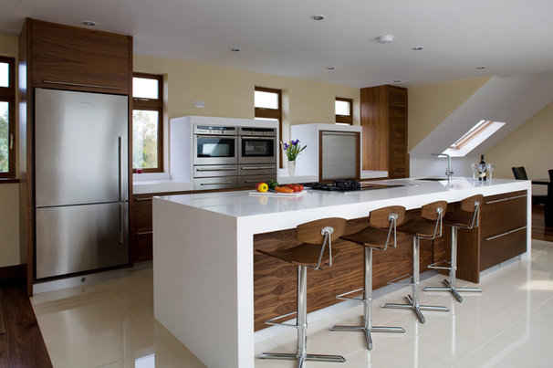Contemporary Kitchen by Designer Kitchen by Morgan