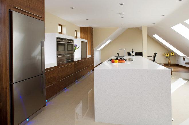 Contemporary Kitchen by Designer Kitchen by Morgan