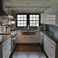 contemporary kitchen by Dresser Homes