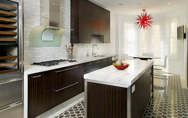 Contemporary Kitchen by Erica Islas  / EMI Interior Design, Inc.