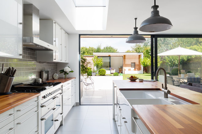 Contemporary Kitchen by Granit Chartered Architects