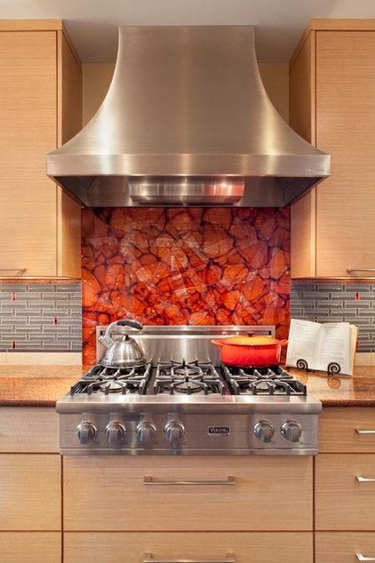 Contemporary Kitchen by Guggenheim Architecture + Design Studio