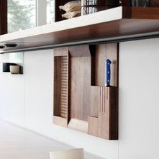 Contemporary Kitchen by Henrybuilt