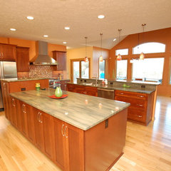 modern kitchen by Hurst Design Build Remodeling