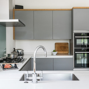 Contemporary Kitchen in SW London by Kitchen Revolutions
