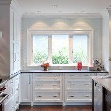 Contemporary Kitchen by Jenny Baines, Jennifer Baines Interiors