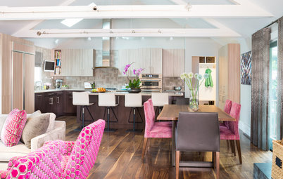 Lightened-Up Midcentury Kitchen Goes With the Flow