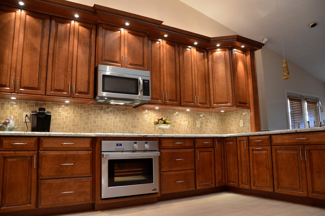 Contemporary Kitchen by KabCo Kitchens