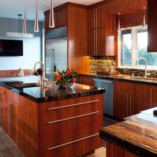 Modern Kitchen by Melinamade Interiors