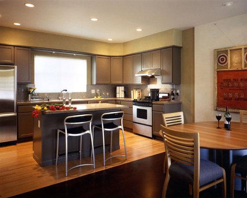 Soffit above cabinets houzz - Kitchen soffit design ...