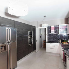Contemporary Kitchen by MK Square Studio, Ltd