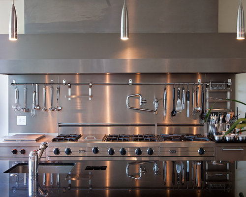 Contemporary Kitchen Idea In San Francisco With Stainless Steel Appliances A Single Bowl Sink