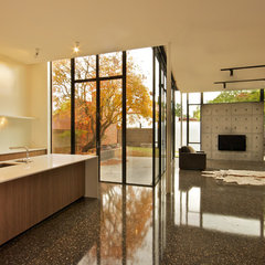 contemporary kitchen by Moloney Architects