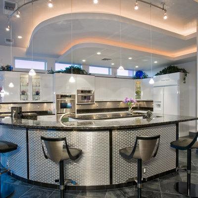 Trendy l-shaped kitchen photo in Las Vegas