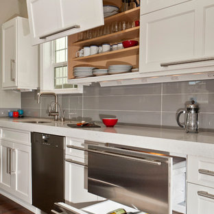 Transitional kitchen ideas - Transitional kitchen photo in Seattle with stainless steel appliances