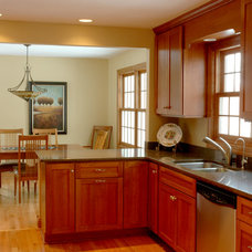 Traditional Kitchen by Bridgewater