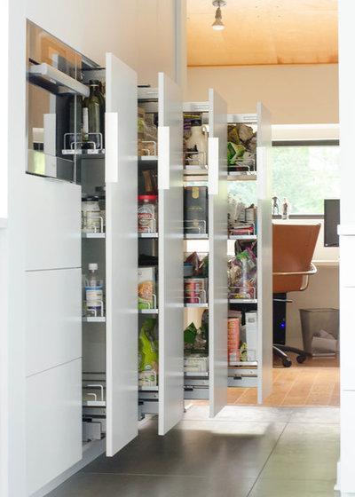コンテンポラリー キッチン by Gary Brown Homes LLC