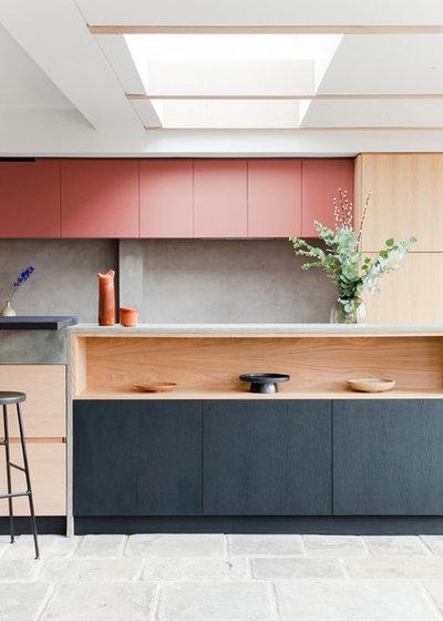 Современный Кухня by Richardson Studio Interiors
