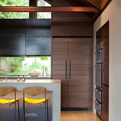 modern kitchen by SB Architects