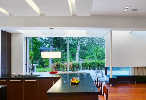 Contemporary Kitchen by SCE Construction Management Inc.