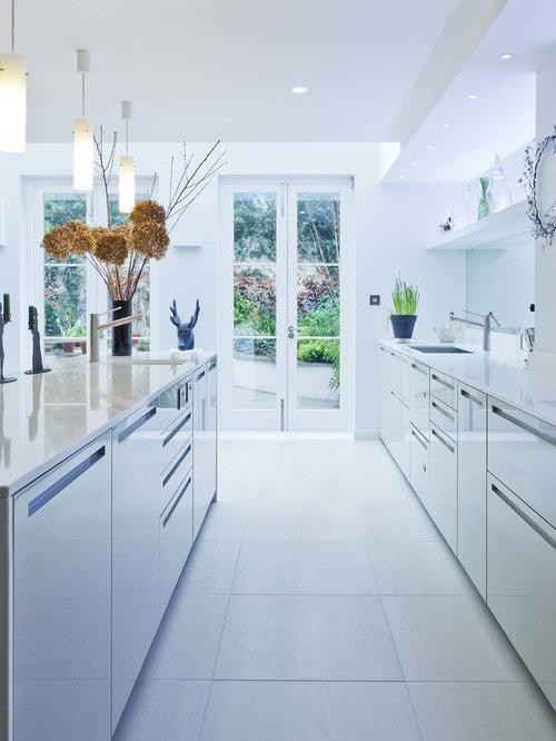 Galley kitchen kitchen design ideas remodels photos for Single wall galley kitchen