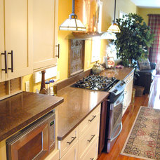 Traditional Kitchen by Grand Kitchen & Bath