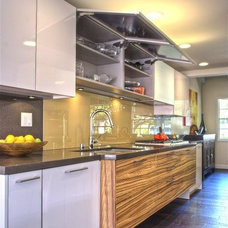 Contemporary Kitchen by Kitchen Studio South Bay