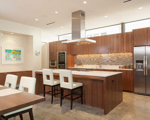 Medium wood kitchen cabinets houzz for Kitchen ideas for medium kitchens