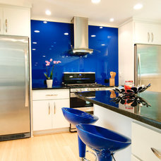 Contemporary Kitchen by Sun Design Remodeling Specialists, Inc.