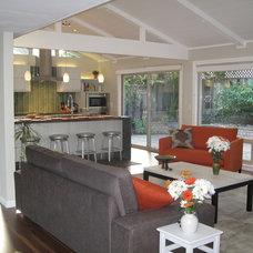 Modern Living Room by Tali Hardonag Architect