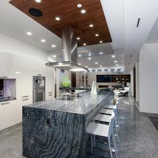 Contemporary Kitchen by Vadim Kadoshnikov