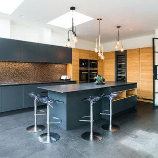 Contemporary Kitchen with an Island - Wimbledon, London