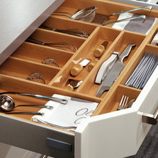 Contemporary Kitchen by Your German Kitchen
