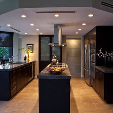Contemporary Kitchen by Broward Custom Kitchens, Inc.