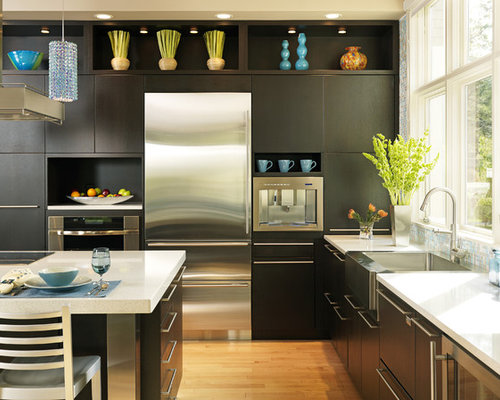 Best rift cut oak cabinets design ideas remodel pictures for Bentwood kitchen cabinets