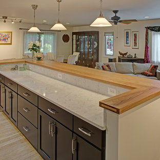 Contemporary Open Plan Kitchen Island