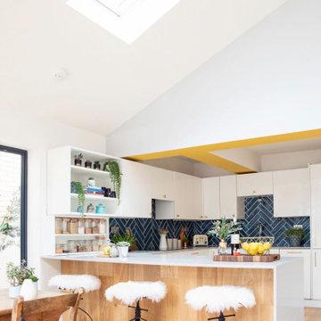 Contemporary Open Plan Kitchen Living