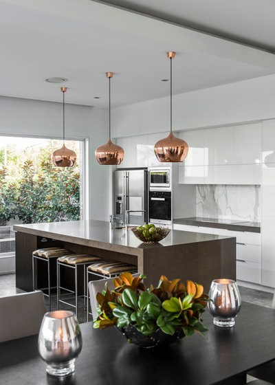 Contemporary Kitchen by Highgate House