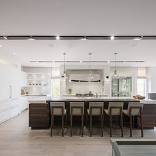 Contemporary Kitchen by Susan Knight Interiors