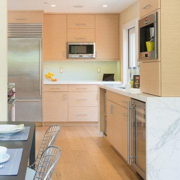 Contemporary Rift Cut White Oak Kitchen Cabinets