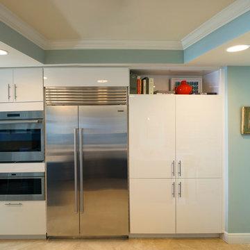 Contemporary Seaside Kitchen