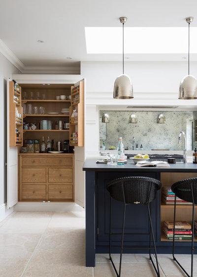 Fusion Kitchen by Humphrey Munson