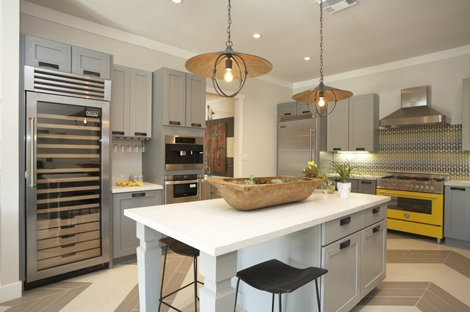Contemporary Kitchen by Dallas Renovation Group